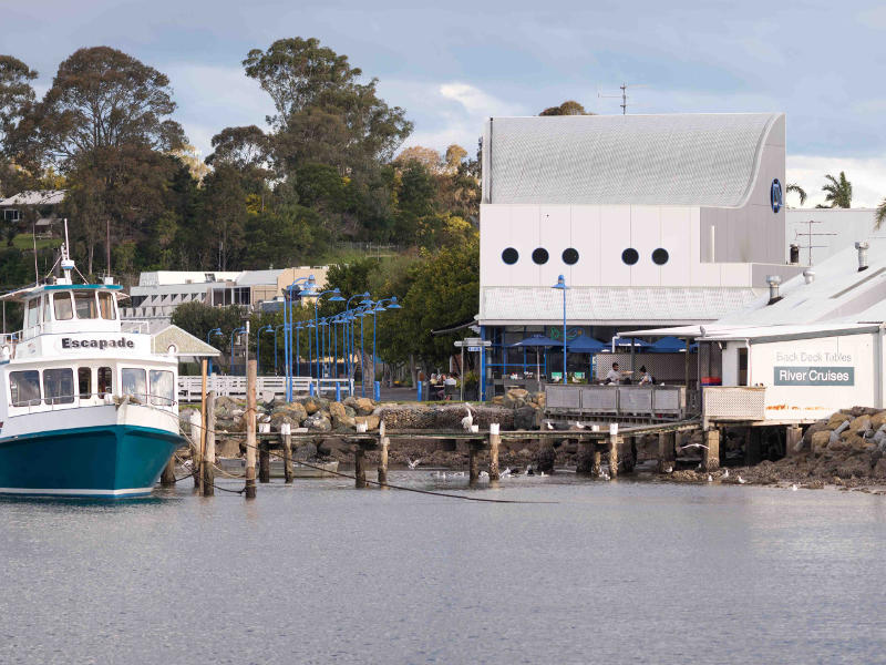 family fun around depot beach Boat Shed fish and chips and Clyde River cruises